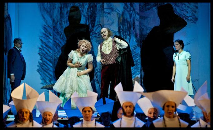 """Elsa Dreisig in Goethes """"Faust III"""" an der Staatsoper Unter den Linden"""