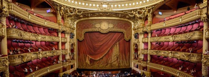 Mit Ravensburger kann man sich direkt in die Opéra Garnier Paris puzzeln