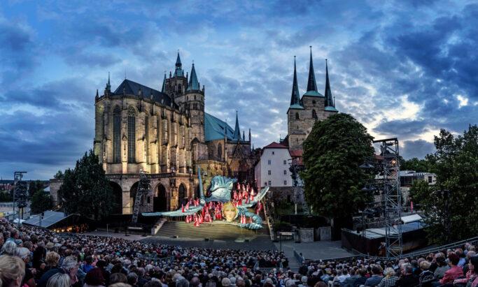 In diesem Jahr finden die Domstufen-Festspiele in Erfurt mit 500 statt den sonst 2.000 Besuchern und reichlich Sicherheitsabstand statt