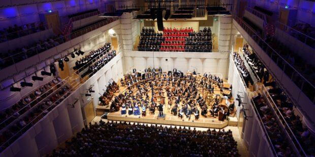 Die Dortmunder Philharmoniker spielen Mahlers achte Sinfonie