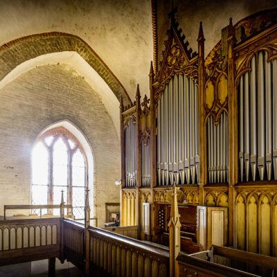 Auch sie wird bei den Orgelspielen Mecklenburg-Vorpommern 2021 erstrahlen: die Winzer-Orgel der Dorfkirche Proseken