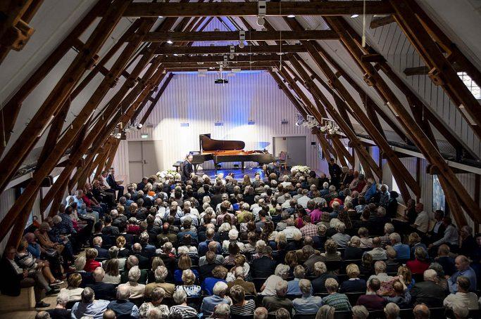 Die ehemalige Scheune des Guts Rosendal dient heute als Konzertsaal