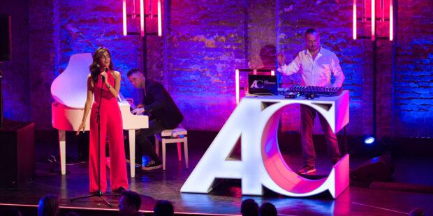 Sorgen für klassische Dance-Beats: Sopranistin Fatma Said und DJ Alex Christensen. Am Piano Florian Arndt.
