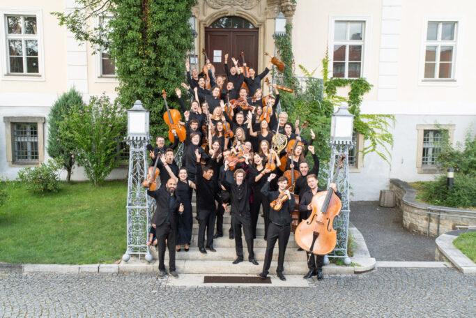 Musikerinnen und Musiker von Krzyżowa-Music in Kreisau
