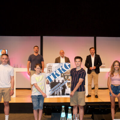 Die jungen Hauptdarsteller Julius Busch (Tim), Lukas Kirchhoff (Karl), Syd Winkler (Klößchen), Lena Appel (Gaby) bie der Pressekonferenz in Bonn