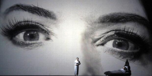 Opern-Kritik: Bayerische Staatsoper München – 7 Deaths of Maria Callas