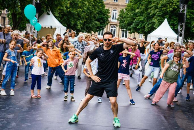 """Raus auf die Straße: Eric Gauthier in Aktion bei seinem """"Colours""""-Festival"""