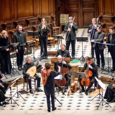 Grande Dame der Alten Musik: Artist in Residence Françoise Lasserre (Mitte vorne) spinnt mit ihrem Ensemble Akadêmia feine Barockgirlanden