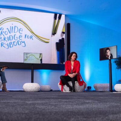Die Heidelberg Music Conference tagt 2020 virtuell: Moderatorin Andrea Thilo, Hiromi Gut, Gründerin und künstlerische Leiterin von guerillaclassics.org, Prof. Jutta Toelle und Konzertdesigner Folkert Uhde (v. l. n. r.)