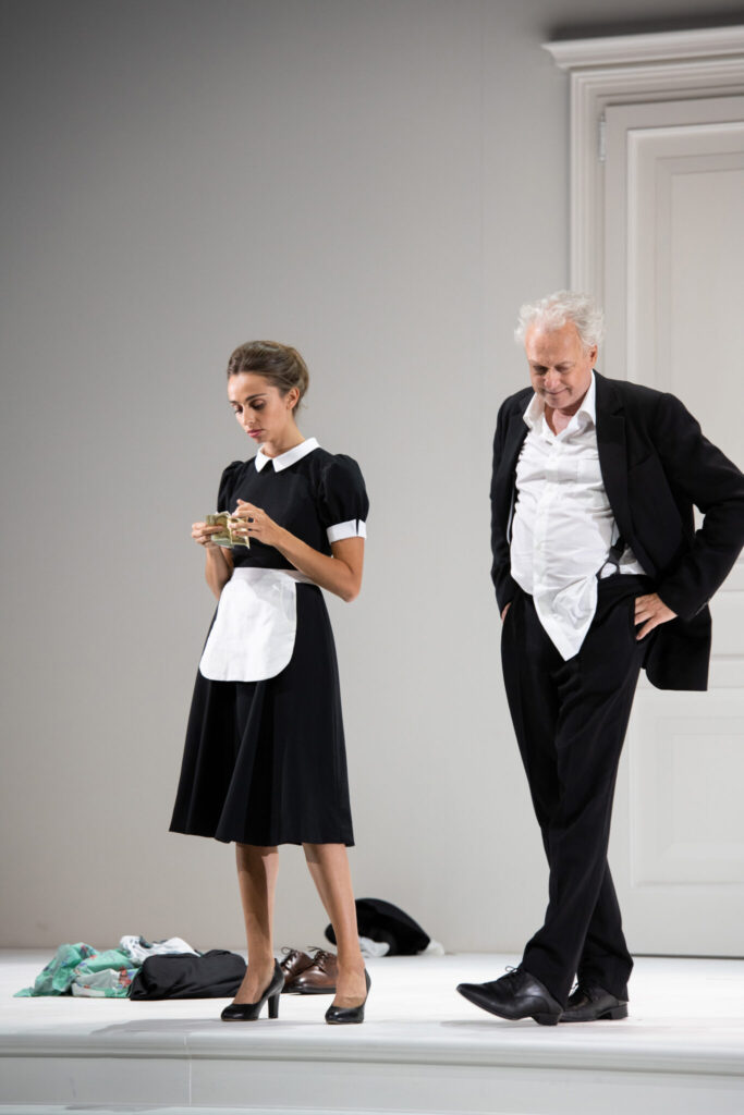 "Lea Desandre als Despina in ""Così fan tutte"" bei den Salzburger Festspielen 2020"