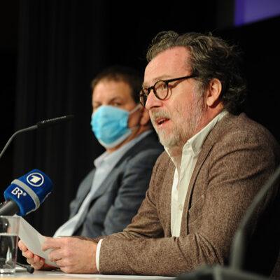 """Kämpft für die Wiedereröffnung von Opern- und Konzerthäusern: Christian Gerhaher, Gründer der Initiative """"Aufstehen für die Kunst"""" bei der Pressekonferenz im Dezember 2020"""
