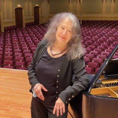 Holt die Klassik-Weltstars nach Hamburg: Pianistin Martha Argerich