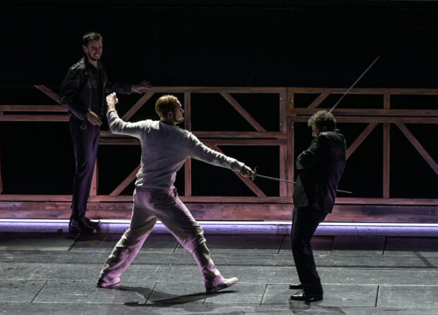 Jussi Myllys (Romeo), Beniamin Pop (Benvolio) und Andrés Sulbarán (Tybalt)
