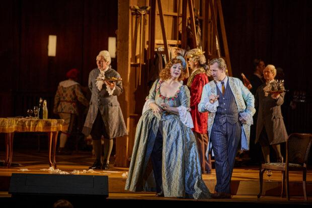 Christa Mayer (Schauspielerin Clairon), Nikolay Borchev (Olivier) Christoph Pohl (Graf)