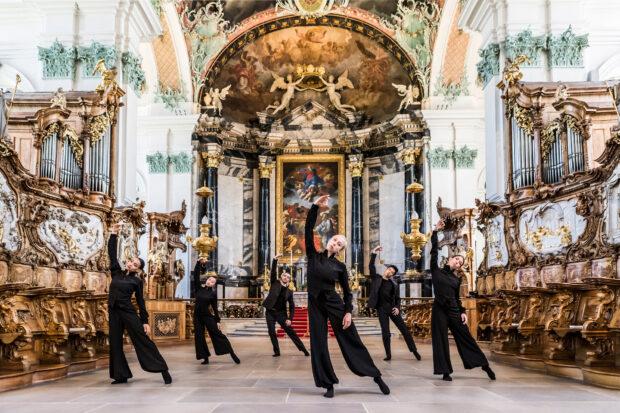 """Ergänzt wird die Opernproduktion """"Notre Dame"""" durch die Uraufführung des Tanzstückes """"Echo"""" von Kinsun Chan in der Kathedrale St. Gallen"""