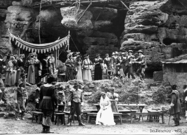 Szenenbild aus der Inszenierung auf der Felsenbühne Rathen