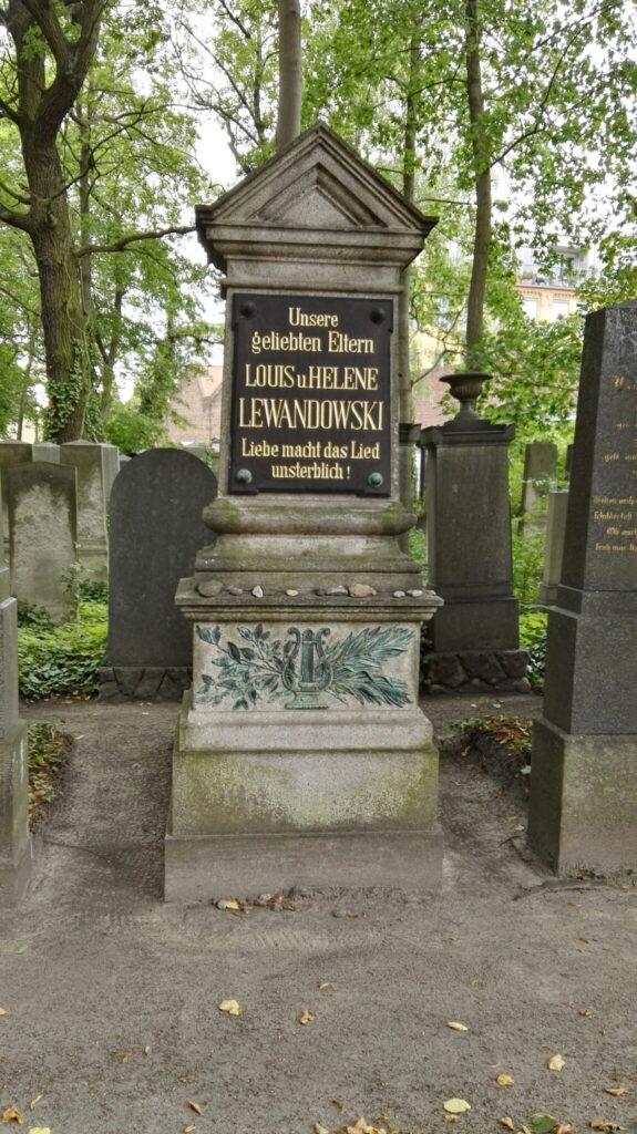Grabstätte von Louis Lewandowski auf dem Jüdischen Friedhof Weißensee in Berlin