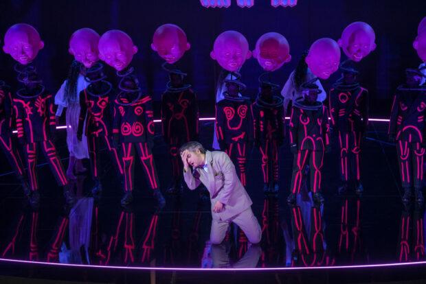 """Brittens """"Sommernachtstraum"""" in Halle: Ki-Hyun Park, Mitglieder des Kinder- und Jugendchores der Oper Halle"""